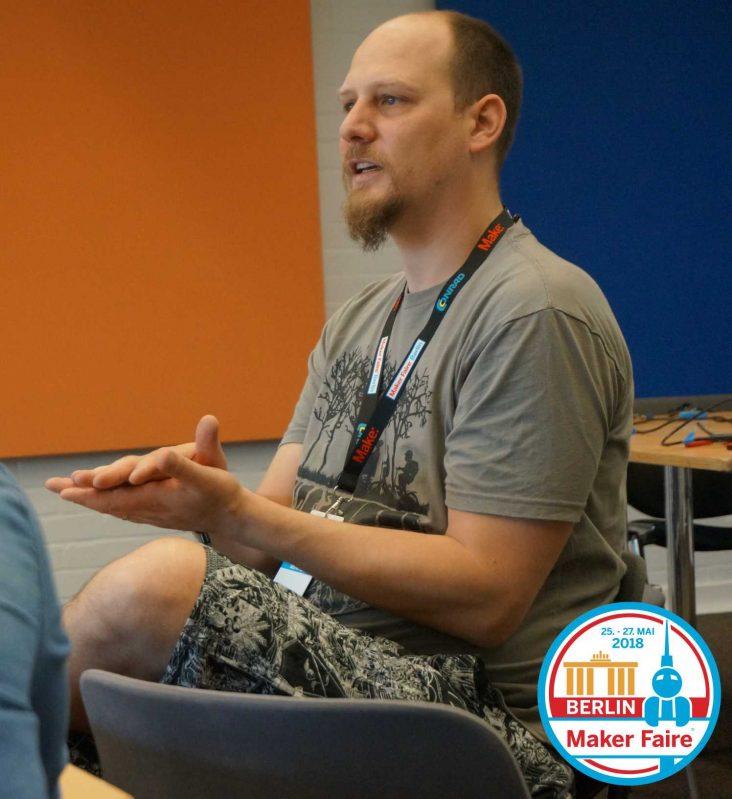 Tim Köhler leitet den 3D-Druckworkshop auf der Maker Faire